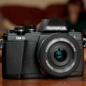Olympus OM-D E-M10 Mark II Zilver + 14-42mm IIR